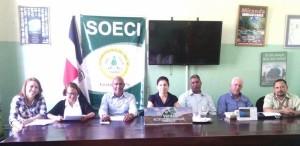 Directivos de SOECI y director ejecutivo en la rueda de SOECI.
